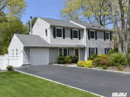 Expanded 10 Room Colonial in Three Village SD