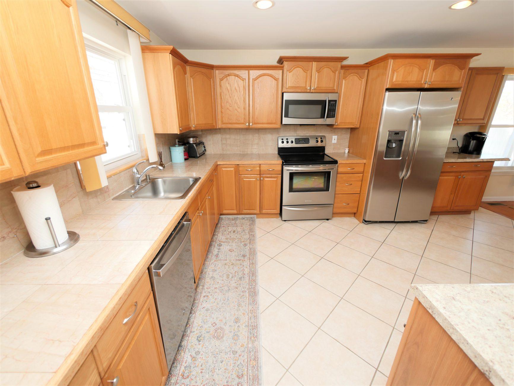 181 Avenue C, Holbrook, NY 11741
